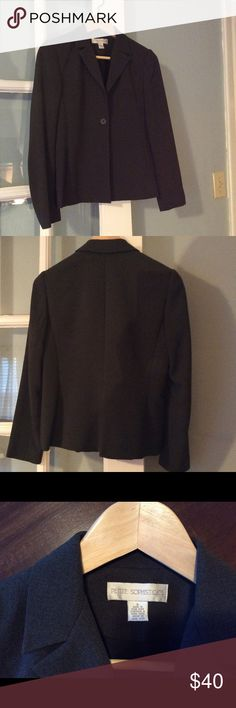 Dark gray suit jacket This jacket is great for the fall! It's a dark gray and looks fantastic with pants or skirts. It's in perfect condition and has pockets! Petite Sophisticate Jackets & Coats Blazers