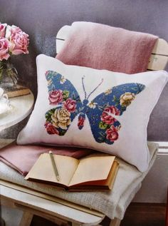 Moje Hand Made – this looks like needlepoint, but why not use a chintz fabric and appliqué the shape? Moje Hand Made – this looks like needlepoint, but why not use a chintz fabric and appliqué the shape? Applique Cushions, Sewing Pillows, Diy Pillows, Decorative Pillows, Throw Pillows, Butterfly Cushion, Chintz Fabric, Diy Pillow Covers, Cross Stitch Pillow