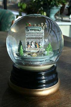 Vintage Bloomingdale's Christmas Snow Globe   eBay