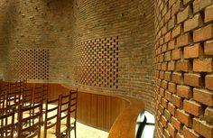 Eero Saarinen - Chapel at MIT, Cambridge 1955. Via