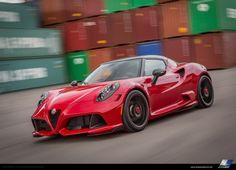 """ドイツの老舗チューナーのZenderは、""""Alfa Romeo 4C Coupe""""用のチューニングパッケージ""""Zender Italia - 4C""""を発表した。関連:最速の量産セダンに!? アルファロメオ、ジュリア QVのニュルブルクリンクラップタイムを発表このツェンダー イタリア 4Cは、フロントスポイラーを"""
