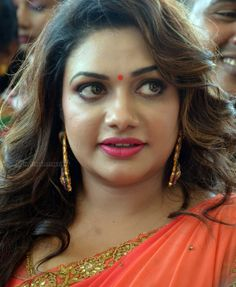 Rimi Tomy Height, Weight, Age, Wiki, Biography, Husband, Family. Rimi Tomy Date of Birth, Bra size, Figure size, Boyfriends, Marriage, kids, Weeding photos Beautiful Girl In India, Beautiful Women Over 40, Most Beautiful Faces, Most Beautiful Indian Actress, Beautiful Actresses, Arabian Beauty Women, Indian Girl Bikini, Indian Girls, Beauty Full Girl