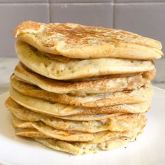 Almond milk pancakes - How I changed my life - Who says Sunday says new attempt at pancakes! Today I'm talking to you about almond milk pancakes - Almond Milk Pancakes, Pancakes Sans Gluten, Vegan Pancakes, Vegan Dessert Recipes, Healthy Breakfast Recipes, Wine Recipes, Snack Recipes, Breakfast Beans, Breakfast Bagel