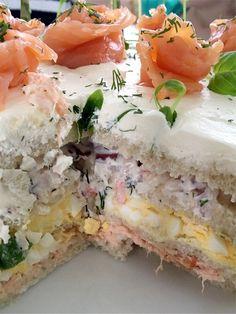 Smörgåstårta á la Catarina Cake Sandwich, Sandwiches, Scandinavian Food, Swedish Recipes, Food Platters, Snacks Für Party, Savoury Cake, Creative Food, Food For Thought