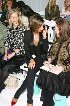 Victoria Beckham Photos - Singer Victoria Beckham talks with Glenda Bailey, Editor-in_Chief of Harper's Bazaar, in the front row at the Matthew Williamson Spring 2007 fashion show during Olympus Fashion Week at Pier 79 September 13, 2006 in New York City. - Matthew Williamson Spring 2007 - Front Row