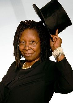 Whoopi Goldberg Black Actresses, Actors & Actresses, Pearl Shoes, Whoopi Goldberg, Hero Movie, First Daughter, Cinema, Best Actress, Famous Faces