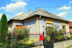 Ferienhaus Ungarn, Bükk in Sály.  Dieses gute und große ungarische Zeltdachhaus (113 m²) steht an der Hauptstraße im freundlichem Dorf Sály. Auf der Rückseite ist eine schöne färbige und große Veranda mit Sicht auf der Garten.  Der Garten (1000 m²) liegt frei und bietet Ihnen Ruhe und Privatsphäre und einen wunderschönen Blick auf den Hügeln der Bükk Nationalpark.  http://www.ferienhauserinungarn.de/ferienhauser-ungarn-angebote/Ferienhaus_ungarn_bukk_saly_19/