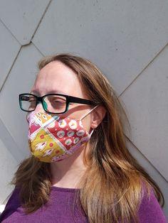 Selbst genähte Gesichtsmaske oder Mund Nasen Schutz Glasses, Eyewear, Eyeglasses, Eye Glasses