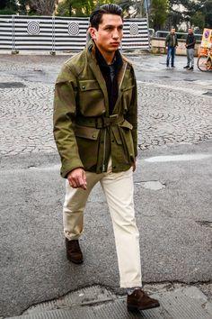 ベルテッドコートで男の装いを格上げ!魅力とおすすめアイテムを紹介 | 男前研究所 Military Fashion, Mens Fashion, Fashion Outfits, Military Jacket Outfits, American Casual, Hipster Man, Outfit Combinations, Looks Style, Work Wear