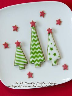 I love these Christmas tree cookies! We can make lots with the cookie cutters! Christmas Tree Cookies, Noel Christmas, Christmas Cookies, Etsy Christmas, Cookie Cutter Set, Cookie Dough, Tree Cutter, Colored Cookies, Biscuits