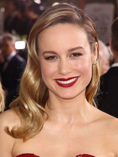 According to Oscar-winning actress Brie Larson, there really is no shame if your hair is 90 percent dry shampoo by Friday. On Sunday, Larson downright wowed on the Golden Globes red carpet, sporting the shiniest, bounciest old Hollywood-inspired blonde waves we've seen in a long time.