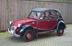 """The third vehicle of choice of the counterculture movement was the Citroen 2CV, nicknamed """"duck"""" in Germany"""