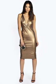 Aiming for bodycon dress goals? Browse boohoo Canada's range of bodycon dresses featuring white, red, lace styles and more. Sexy Outfits, Sparkly Outfits, Tight Dresses, Satin Dresses, Sexy Dresses, Silky Dress, Metallic Dress, Leather Dresses, Hot Dress