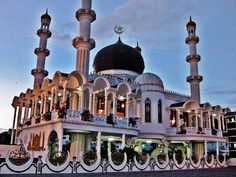 Ahmadiyya Anjuman Isha'at Islam Mosque (Paramaribo, Suriname)