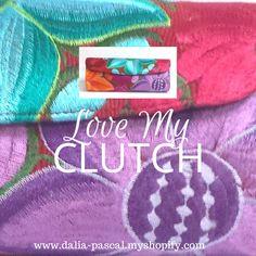 Te gustan nuestros clutches? Este lo encuentras en nuestra tienda en línea...www.dalia-pascal.myshopify.com