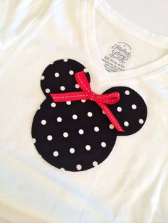 #DisneySide Minnie Mouse Applique Tee - Simple Sojourns