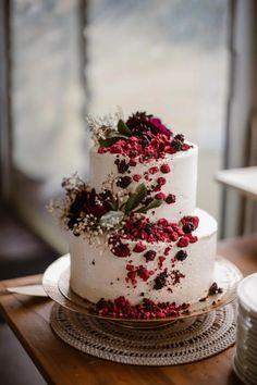 Floral Wedding Cakes, Wedding Cake Rustic, White Wedding Cakes, Beautiful Wedding Cakes, Wedding Cake Designs, Beautiful Cakes, Amazing Cakes, Wedding Cake Vintage, Berry Wedding Cake