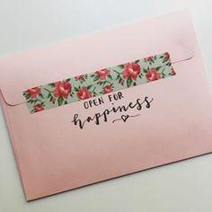 Mail Art Envelopes, Addressing Envelopes, Envelope Art, Envelope Design, Calligraphy Envelope, Snail Mail Pen Pals, Snail Mail Gifts, Diy Cadeau, Fun Mail