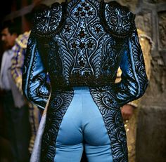 Why do people opposed to bullfighting look at pics of matadors? Magnum Photos, Matador Costume, Moda Vintage, Traditional Dresses, Sexy Men, Hot Guys, Handsome, Menswear, Costumes