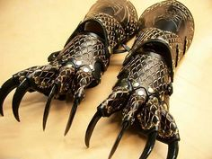 Gauntlets with claws