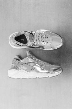 """Nike Womens Air Huarache Premium """"Metalic Silver"""""""