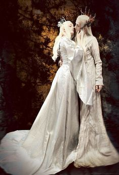 Thranduil and his wife Ellerian fan art Mehr Legolas And Thranduil, Lee Pace Thranduil, Mirkwood Elves, Fantasy Couples, Fantasy Photography, Elvish, Lord Of The Rings, Tolkien, Lotr