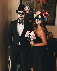 skull makeup for halloween, catrin and catrina makeup, skull makeup for men, catrina makeup, hallowe Happy Halloween, Halloween 2019, Halloween Party, Couple Halloween Costumes, Halloween Cosplay, Day Of Dead Costume, Sugar Skull Costume, Dead Bride, Halloween Makeup Looks