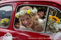 Tropical, Wedding Bouquets, Crown, Couple Photos, Couples, Weddings, Tropical Flower Arrangements, Couple Shots, Corona