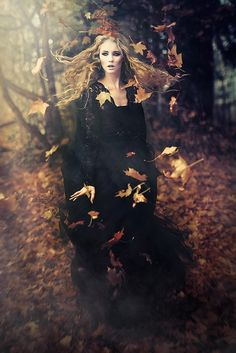 Joanna Filipiec - Zorant Klaudia - A Witch I am )O( - Halloween Dark Fantasy, Foto Fantasy, Fantasy Art, Halloween Photography, Fantasy Photography, Portrait Photography, Fashion Photography, Magical Photography, Woods Photography