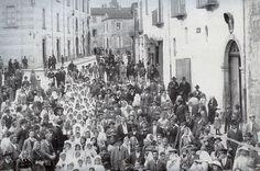 Larino, Prime Comunioni in piazza Duomo (1911/1914)