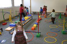 Motor Skills Activities, Gross Motor Skills, Sensory Activities, Physical Activities, Activities For Kids, Movement Preschool, Preschool Class, Kids Gym, Kids Sports