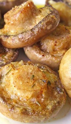Roasted Mushrooms with Garlic and Thyme - Substituted grated parmesan for the bread crumbs. Yum!