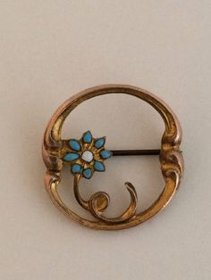 Vintage Round Gold Pin With Enamel Flower by AgesPastVintage