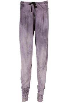 One of a kind hand dyed light grey harems by Movimento Apparel. These unique bottoms are made proudly in the USA. Slight drop crotch with ruched ankle detail and cotton drawstring. Wear these to a Yoga class or around town while you run your errands in style. Wear with a fitted tank or a loose tee.   Harems  by Movimento Apparel . Clothing - Activewear New Jersey