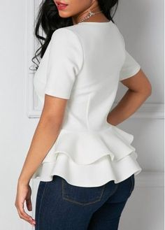 Stylish Tops For Girls, Trendy Tops, Trendy Fashion Tops, Trendy Tops For Women Dress Outfits, Casual Dresses, Fashion Dresses, Blouse Styles, Blouse Designs, Glamour Moda, White Short Sleeve Blouse, Grey Blouse, Long Sleeve