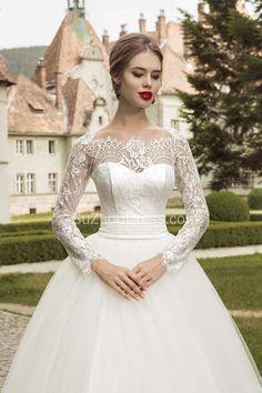 Vintage Princess Lace Bridal Gowns,  2015 Royal Wedding Dress with Ribbon