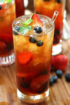 Very Berry Iced Tea with Honey Mint Syrup via @Barb Peterson Peterson | Creative Culinary