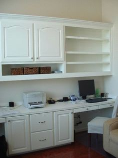 Home Office Furniture: Choosing The Right Computer Desk Office Nook, Home Office Space, Home Office Desks, Home Office Furniture, Office Decor, Office Ideas, Desk Space, Small Office, Furniture Decor