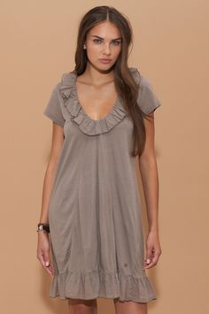 huset ruffle dress