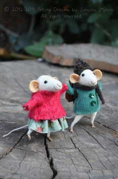 Little Coquet Mouse Needle Felted Ornament by feltingdreams Needle Felted Animals, Felt Animals, Needle Felting, Needle Felted Ornaments, Felt Ornaments, Easy Felt Crafts, Pet Mice, Mice Mouse, Felt Mouse