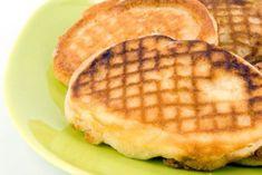 Ricette Dieta Dukan, oggi vi proponiamo le Crepes salate del Dott. Dukan che vanno bene per qualsiasi fase di questo regime alimentare. Ingredienti: – 1, 5 cucchiai di crusca d'avena – 1 cucchiaio di crusca di frumento – 3 cucchiai di formaggio fresco magro – 3 uova – Erbe aromatiche a piacere (facoltativo – sale …