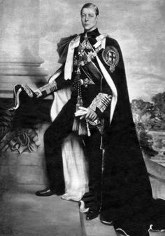 Edward, Prince of Wales in his Order of the Garter robes. On of January King George V died and so his eldest son Edward began his reign as King Edward VIII. Eduardo Viii, Edward Windsor, St James's Palace, Order Of The Garter, Wallis Simpson, British Royal Families, Isabel Ii, Prince Edward, Prince Albert