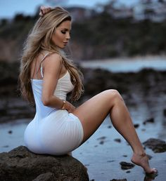 Wrong Attire, Right Fit is listed (or ranked) 1 on the list The Hottest Amanda Lee Pictures Amanda Lee, Kim Kardashian, Tight Dresses, Sexy Dresses, Tight Skirts, Hottest Dresses, Short Dresses, Black Girlfriend, Pernas Sexy