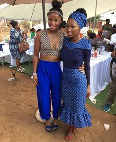 Shweshwe for South African traditional designs 2019 Short African Dresses, African Print Dresses, African Fashion Dresses, African Prints, African Wedding Attire, African Attire, African Wear, African Style, African Traditional Wedding Dress