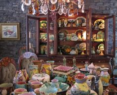 Majolica Pottery, Staffordshire Ceramics & Antique Objets d'Art – 19th Century, Palissy, Oyster Plates, Transferware, Sarreguimines, Fairings, Jackfield, Wedgwood, Victorian, Stoneware, Vintage Glass, Collectibles  Black-Eyed Susan's Antiques