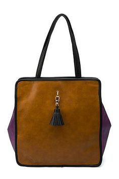 Vintage contrast color square shopper, featuring a tassel charm to the front, zip closure to the top, stitched edges and detachable handle.