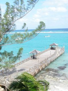 Must-do activities on a weekend jaunt in Jamaica   http://luggageandlipstick.com/jamaica/