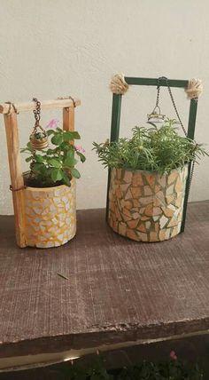 Micro Garden Cement Crafts Glass Garden Garden Art Cement Planters Mosaic P Garden Crafts, Diy Garden Decor, Diy Flowers, Flower Pots, Cement Planters, Recycled Planters, Recycled Garden Art, Concrete Planters, Micro Garden