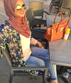 Pinterest @adarkurdish Square Hijab Tutorial, Modest Outfits, Cute Outfits, Turban Hijab, Hijab Outfit, Fashion 2020, Hijab Fashion, Casual Chic, Clothes For Women