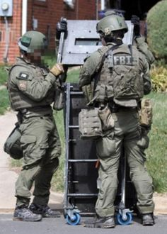 FBI-HRT-550-18